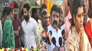 NTR 22nd Death Anniversary | Family Pay Tributes at NTR Ghat
