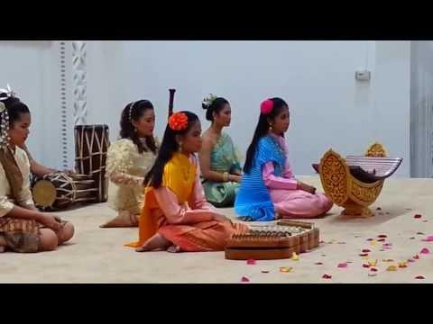 Thai music performance at international food festival, Qatar