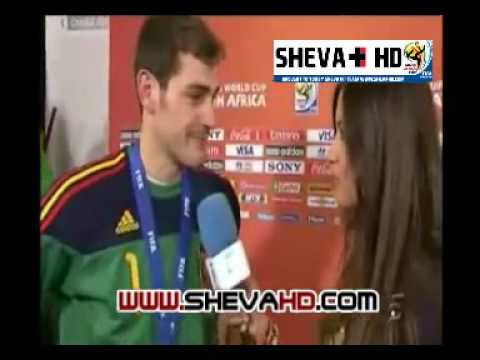 Spain vs Netherlands- a Spanish player kissed the journalist after the match( his gril friend)