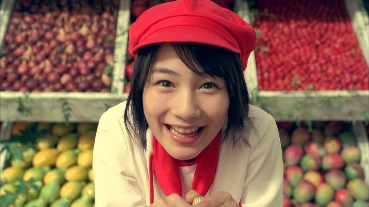 能年玲奈(のん)赤い帽子