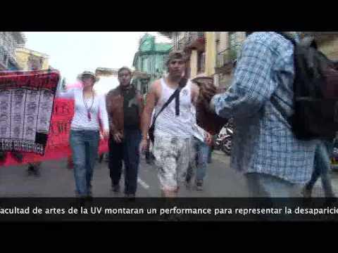 marchan en Xalapa por caso Ayotzinapa se unen Las 32 facultades de la UV