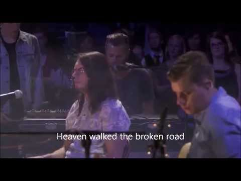 Hillsong UNITED - Love is war (lyrics)