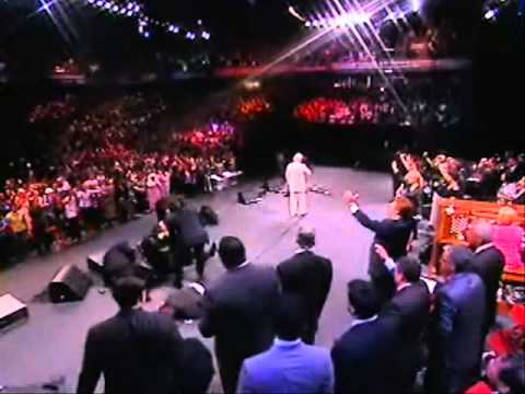 Benny Hinn - Holy Ghost Praise Break!