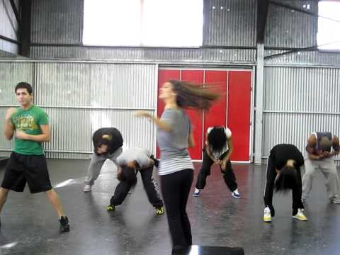 Blast From The Past: 16 Year Old Victoria Justice Rehearses make It Shine Dance video