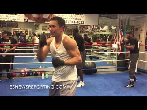 GENNADY GOLOVKIN SHADOW BOXING!!! IN PHENOMENAL SHAPE!!! - EsNews Boxing