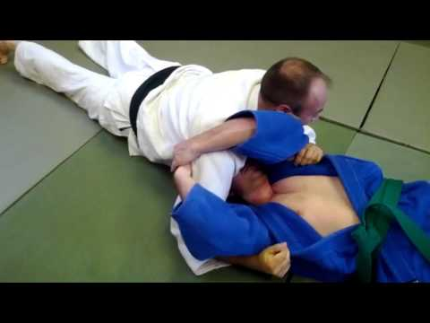 kami shiho gatame lapel lock escape no1 Image 1
