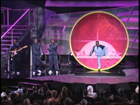 Jamie Foxx serenades Serena Williams at the ESPY Awards - Tennis Ball