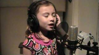 "SPECTACULAR VOICE: Hear this 7 year-old sing ""O Holy Night""!!!! WOW!!!!!!"