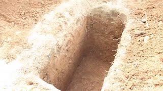 Unusual burial ceremony in Nigeria