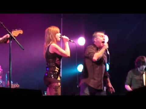 Jimmy Barnes & Vanessa Amorosi - River Deep Mountain High - Live