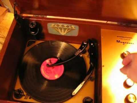 1959 Magnavox record player