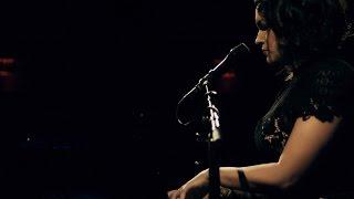 "Norah Jones - ""Peace""のライブ映像を公開 新譜「Day Breaks」収録曲 thm Music info Clip"
