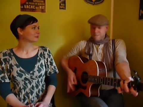 Rawsome Delights - Küchensession 1 HOLD ME TIGHT (Kitty, Daisy & Lewis Cover)