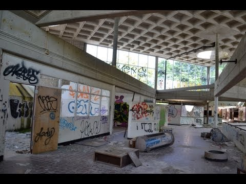 Urban Exploration: Abandoned Insane Asylum - NY