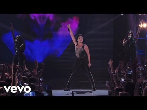 Demi Lovato - Heart Attack (vevo Certified Superfanfest) Presented By Honda Stage video