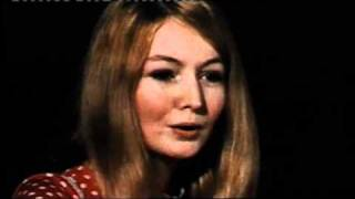 Watch Mary Hopkin Turn Turn Turn to Everything There Is A Season video