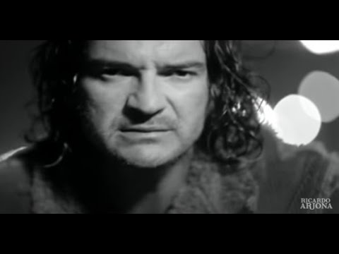 Ricardo Arjona - Mojado (Video Oficial)