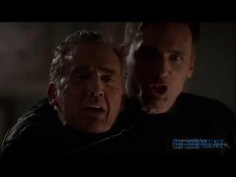 Зум убивает отца Барри. Флэш