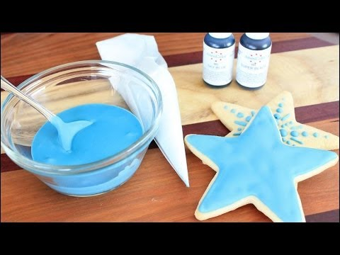 How to Make Royal Icing for Piping and Flooding Cookies - YouTube