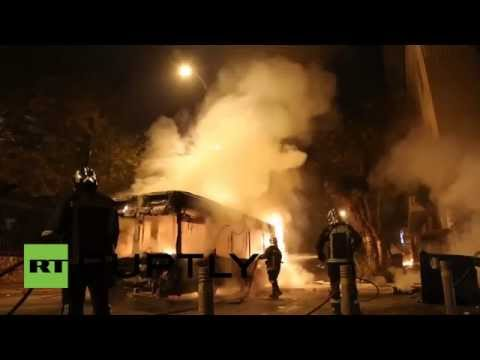Greece mad riots video: Athens protesters smash & burn cars, clash with police