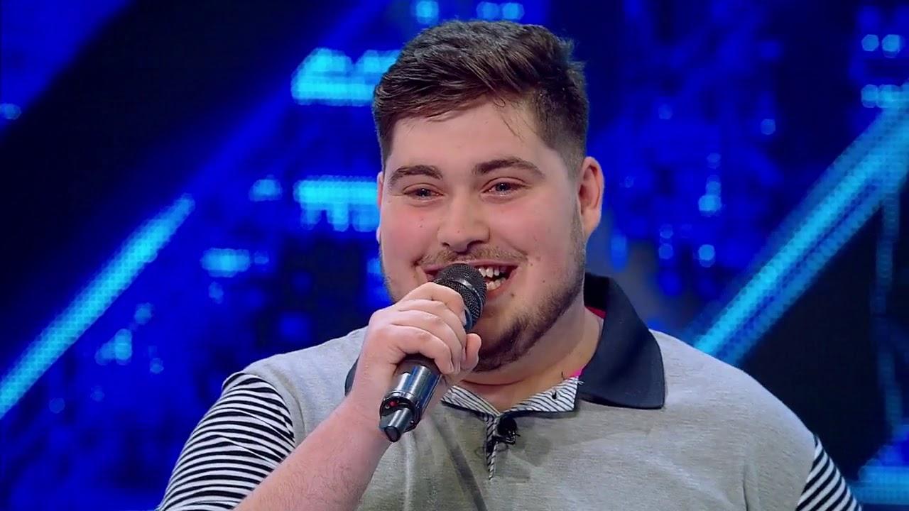 Laurenţiu Drăghici, show pe scena X Factor