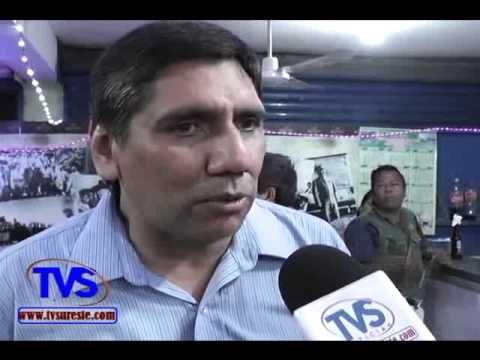 TVS Noticias.- En Minatitlan Celebran Nacimiento de José Revueltas con Lectura de Obra en Cantina