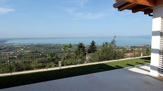 Villa Lake Garda for sale with stunning lake view  |  Villa Lago di Garda vista lago in vendita