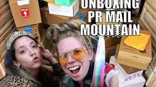 ENORMOUS MOUNTAIN OF PR MAIL- UNBOXING!