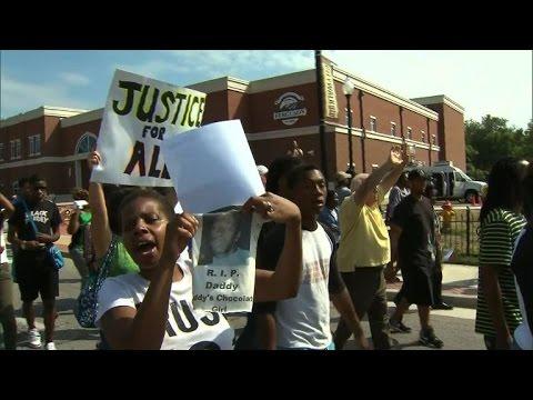 Etats-Unis: manifestations dans le Missouri après la mort d'un jeune Noir