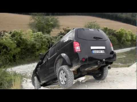 nissan pathfinder off road