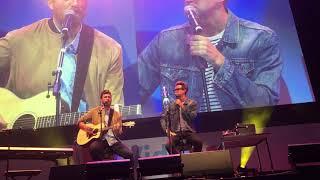 Rhett and Link - I Wanna Be Your Maine Man (Vidcon London 2019)