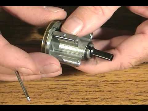 Watch Professional Lock Picking   Basic and Advanced Techniques split1