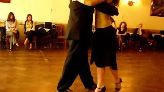 Tango - Clase Paula Franciotti & Orlando Scarpelli en Milonga CHIQUE