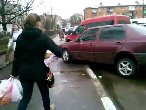 Особливості суботнього паркування у Калуші біля міського ринку