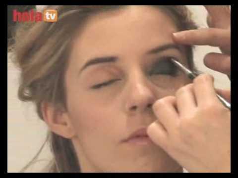 Maquillaje de ojos efecto ahumado paso a paso