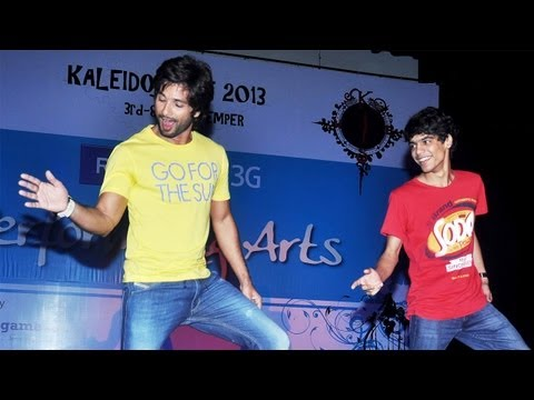 Shahid Kapoor Promotes 'phata Poster Nikla Hero' In Mumbai College video