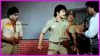 Peralai - Arjun Beats The Villan - Chinnari Devatha Telugu Movie - Arjun,Rajini