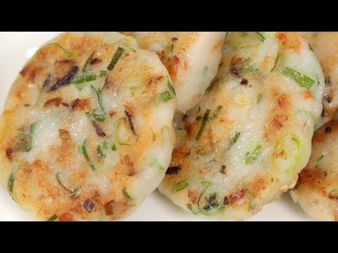 Easy Fried Daikon Mochi Recipe (Chinese Turnip Cake) | Cooking with Dog