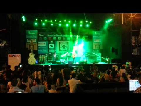 Nikhil DSouza performing Live at Kala Ghoda Festi