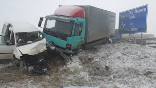 Accident rutier pe DN1 la Santimbru, coliziune intre un camion si un microbuz