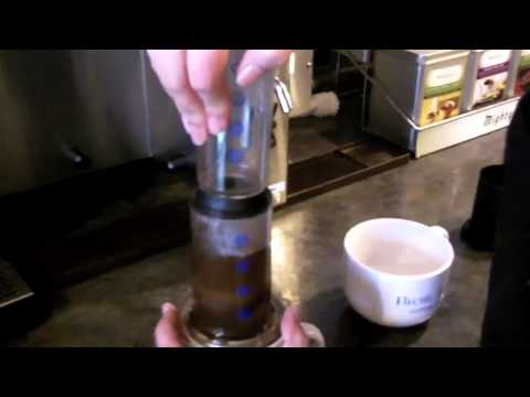 Aeropress Coffee Maker Crema : How To Make Espresso With An Aerobie Aeropress How To Save Money And Do It Yourself!