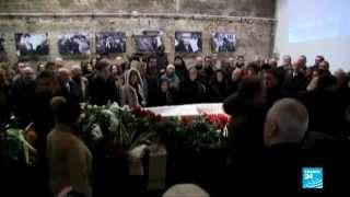 روسيا ـ اسطفوا بالآلاف لإلقاء النظرة الأخيرة على جثمان بوريس نيمتسوف