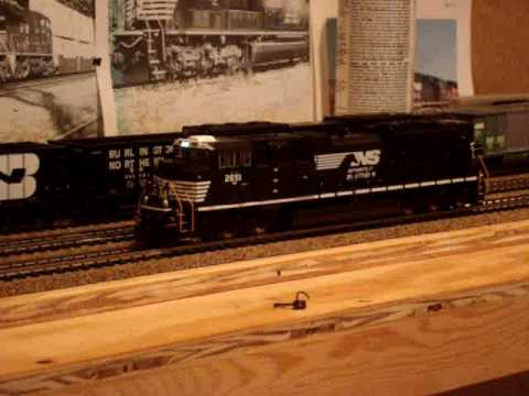 MTH HO Scale Norfolk Southern SD70M-2 Review