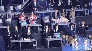 Download lagu BTS, BLACKPINK Reaction to HWASA, MAMAMOO (마마무 화사 무대보는 방탄소년단, 블랙핑크) 4K 직캠 by 비몽
