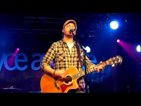 Boyce Avenue - 'Change Your Mind', live in Belfast