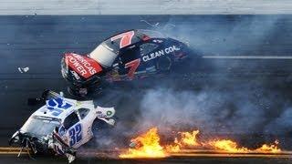سباق سيارات لا تنجو منه اي سيارة في حادثة تصادم جماعية