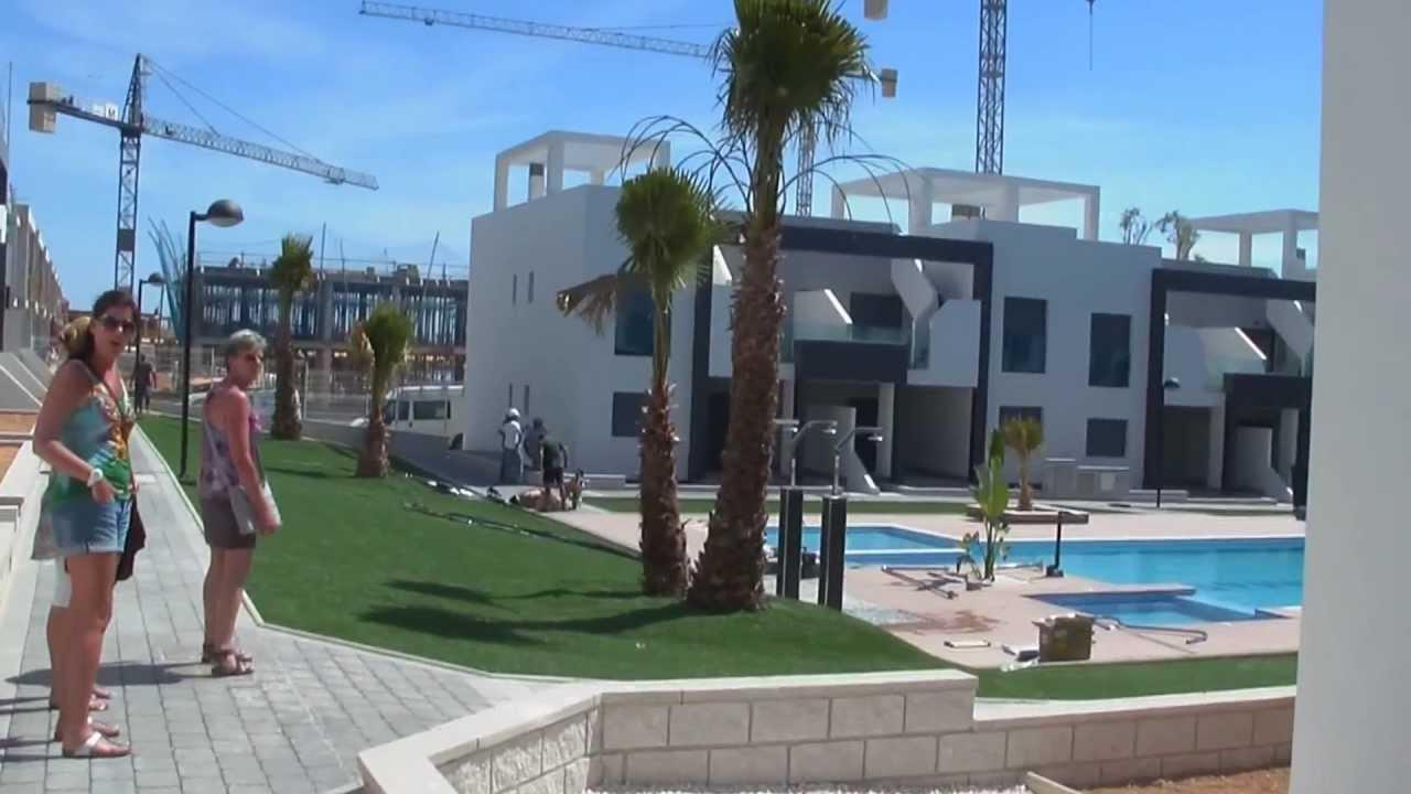 Oasis Beach In La Zenia Spanje Youtube