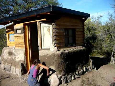 Casa Ecologica superadobe - YouTube