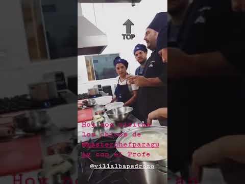 Simone Villar cocinando