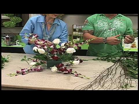 Russ on Flowers Show #26 - Wedding Reception Table Centerpiece Arrangements Using FlowerBudi System